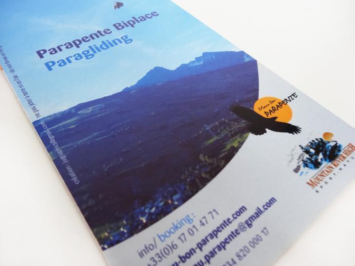 conception de brochures Manu Bon - parapente en savoie