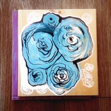 tableau représentant des roses bleues - julie loomis